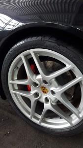 Pirelli Sommerreifen auf dem 911er montiert