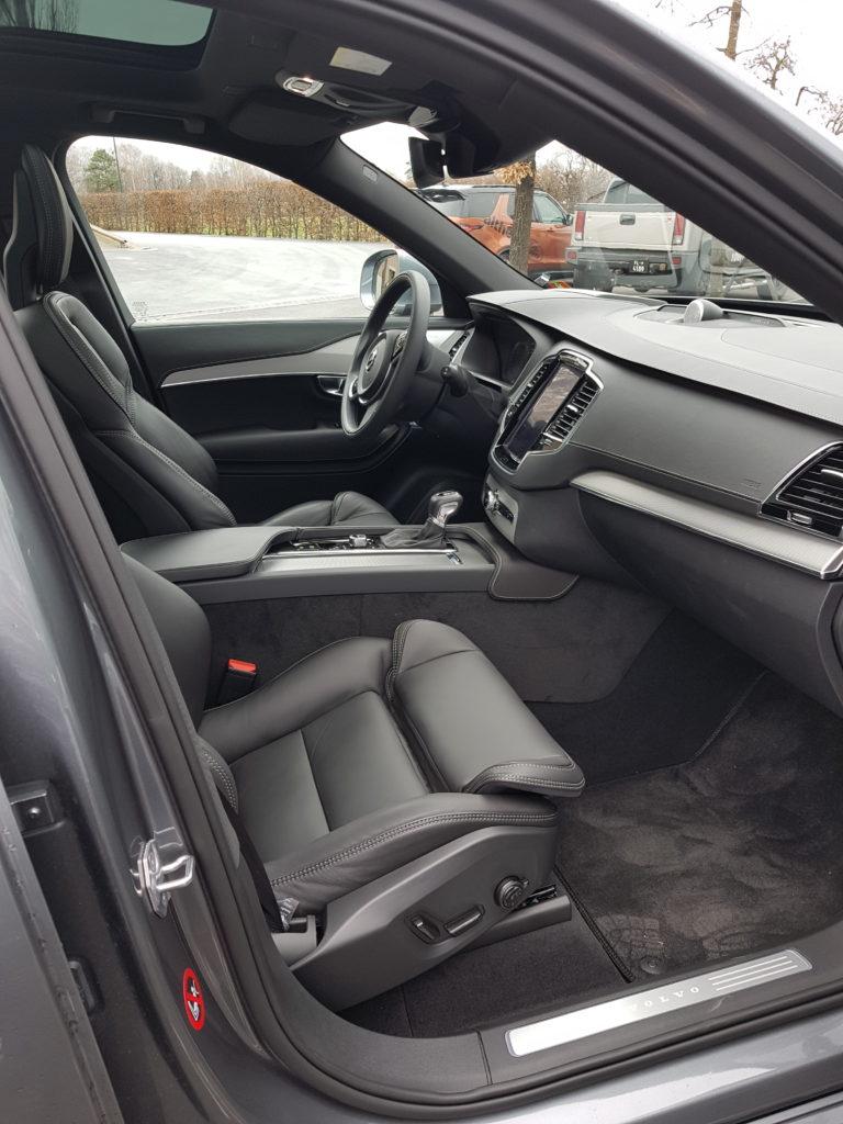 Volvo xc90 d5awd schwedischer riese jr drives for Ecksofa sitztiefe 90